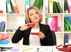 Начальники всё реже берут в жёны секретарш