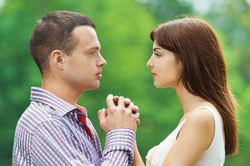 Направление взгляда подскажет, любовь ли это