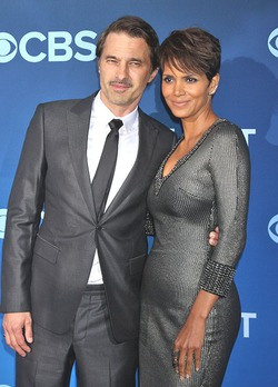 Актрисы Голливуда часто выходят замуж за французов