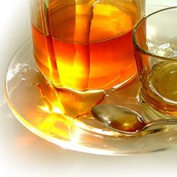 Польза медовых смесей: мед, чернослив, орехи