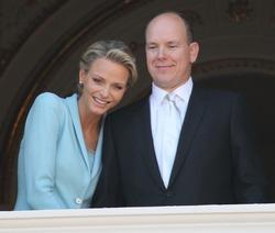 Княгиня Монако Шарлен и князь Альбер будут родителями