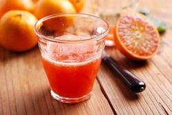 Ученые советуют ограничиться одним стаканом сока в день