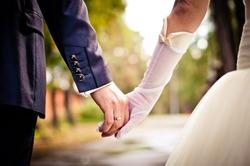 Все меньше молодых людей хотят вступать в официальный брак