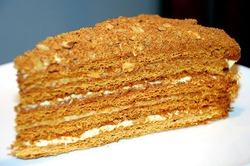 Торт «Медовик» со сметанным кремом