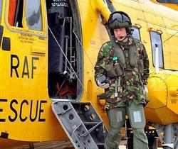 Бабушка подарила принцу Уильяму вертолет