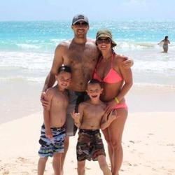Бритни Спирс похвасталась фигурой и отдыхом на Гавайях