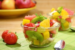 С чего начать обед? Конечно, с фруктов!