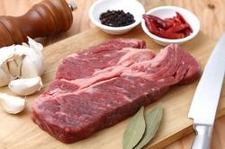 Доказано, что мясо лучше употреблять с овощами