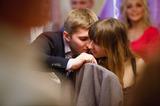 Полу поцелуй, кадр сделан без нашего ведома. Мы с мужем на чужой свадьбе постоянно привлекали к себе внимание фотографа своей нежной любовью.