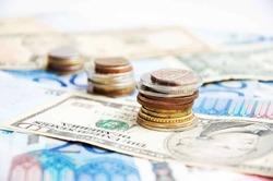 Евро – 60 рублей, доллар - дороже 48 рублей