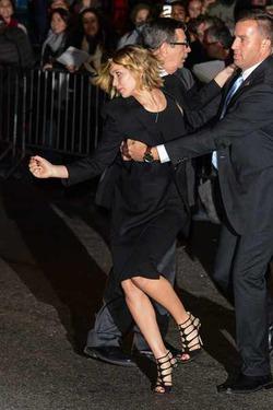 Фанаты напали на Дженнифер Лоуренс