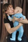 Поцелуй младшего сынишки