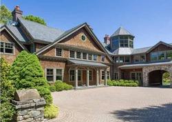 Брюс Уиллис купил новый дом на побережье
