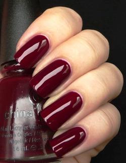 Чем красить ногти в наступающем году?