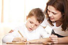 До какого возраста проверять уроки у ребенка?