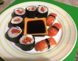 Домашние роллы и нигири суши