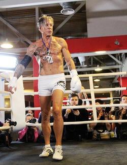 62-летний Микки Рурк вернётся в бокс