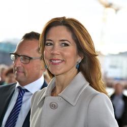 """Кронпринц Фредерик и принцесса Мэри посетили оперу """"Тоска"""""""
