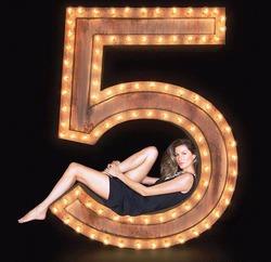 Вышел рекламный фильм Chanel No.5 с участием Жизель Бундхен