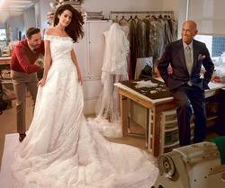 Платье невесты Клуни – последняя работа Оскара де ла Рента