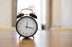 Нехватка сна повышает риск  болезни Альцгеймера