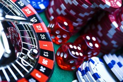 Звёзд Голливуда привлекли к рекламе казино