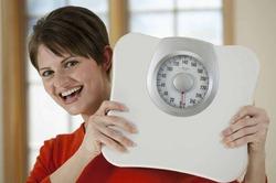 Диетологи советуют взвешиваться хотя бы раз в неделю
