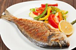 Какую рыбу нужно есть, чтобы сохранить здоровье мозга?