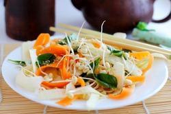 Салат с проростками маша