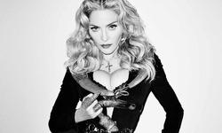 Мадонна опубликовала снимок «ню» в знак протеста