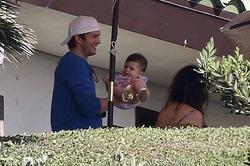 Кутчер и Кунис провели выходные с дочкой в Малибу