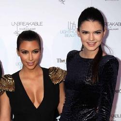 Ким Кардашьян больше не общается с сестрой Кендалл Дженнер