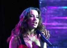 Виктория Дайнеко на сцене фото