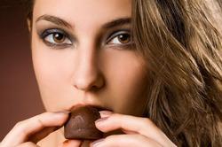 Жизнь в шоколаде. Британский дегустатор вынужден съедать в неделю 5 килограммов сладостей