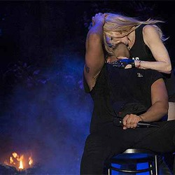 Дрейк оправдался за гримасу после поцелуя с Мадонной! Или врет?