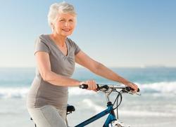 Учёные: отчёт старости нужно вести с 74 лет