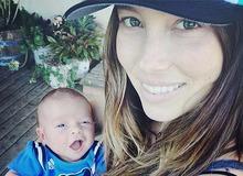 Джессика Бил с сыном Сайласом фото