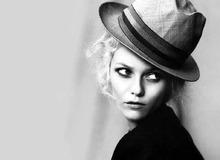 Ванесса Паради в черно-белой фотосессии фото