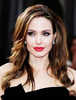 Анджелина Джоли обвинила ООН в бездействии