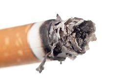 Попробуй, закури! Брошенный окурок в Париже обойдётся в 68 евро