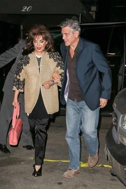 Романтический ужин четы Клуни превратился в семейный