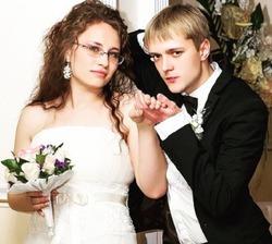 Больше не муж: сын Сергея Зверева подал на развод спустя полгода после свадьбы