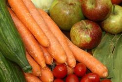Морковь и зелень – главные продукты красоты для женщин