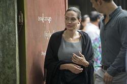 Фанаты переживают за Анджелину Джоли