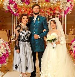 Мечта сбылась: Роза Сябитова выдала дочь замуж