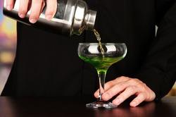 Полный отказ от алкоголя сокращает жизнь