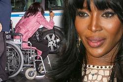 Наоми Кэмпбелл приехала в аэропорт в инвалидной коляске