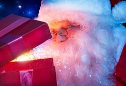Французы начали продавать полученные на Рождество подарки