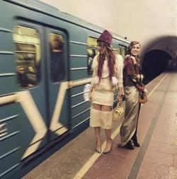 Ксения Собчак шокировала нарядом в метро