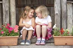 Идеи для двора: во что детям поиграть на улице